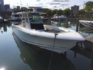 2016 Boston Whaler 350 Outrage