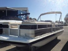 2014 Hurricane FunDeck 226