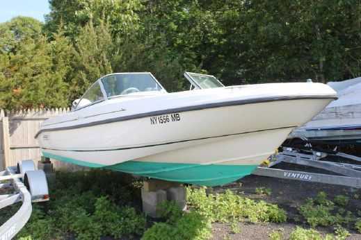 1998 Boston Whaler 18 Ventura Bowrider