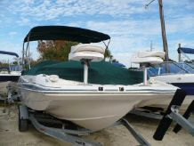 2004 Hurricane GS 201 OB Deck Boat