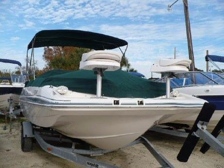2004 Hurricane GS 201 OB Deck Boat