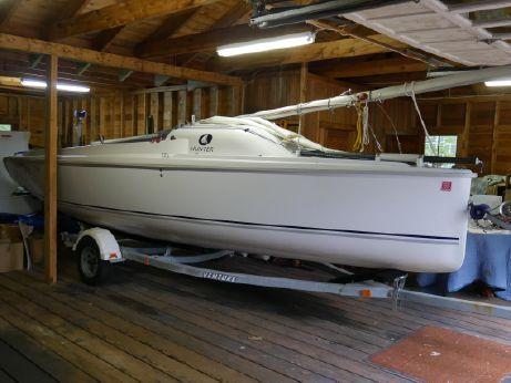 2004 Hunter 216