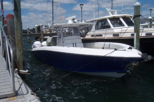 2012 Midnight Express 37 Center Console
