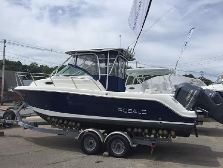2011 Robalo 245 Express and Trailer