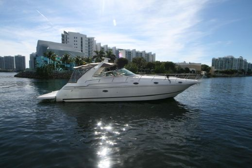 2001 Cruisers 4270 Express