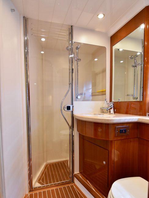 Viking V58 Sport Cruisers Bathroom Head Shower