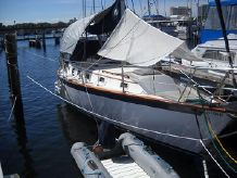 1984 Endeavour 35 Sloop