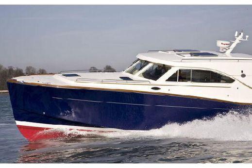 2010 Oyster OM43
