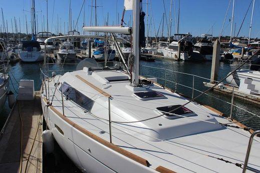 2010 Beneteau Oceanis 34 LLC Owned
