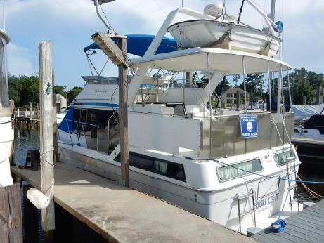 1990 Chris Craft 372 Aft Cabin