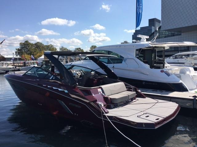 2018 Cruisers Yachts 338 South Beach Edition Bow Rider Power Boat