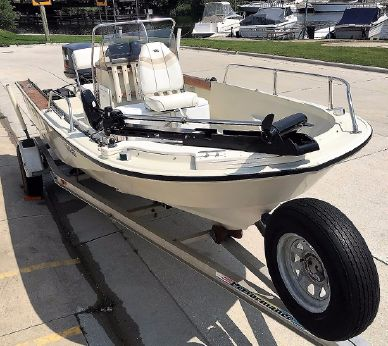1986 Boston Whaler Outrage 18