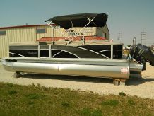 2015 Sweetwater 220 DL