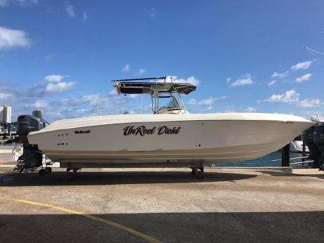 2005 Wellcraft Scarab 352