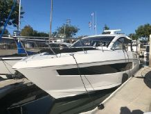 2018 Cruisers Yachts 390 Express Coupe