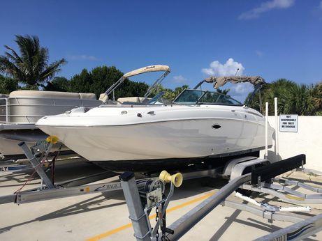 2015 Hurricane SunDeck 2400 OB