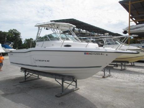 2000 Seaswirl 2600 Striper