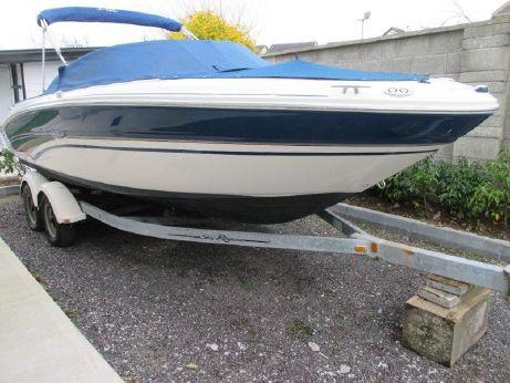 2002 Sea Ray 220 Bowrider