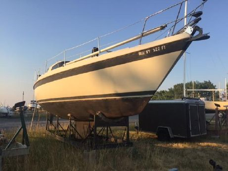 1983 Tanzer 10.5 Pilothouse