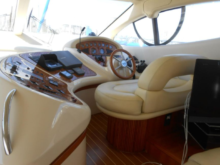 Azimut 46 Yacht for sale in Long Beach