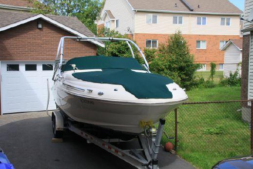 2001 Sea Ray Sundeck 240