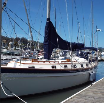 2001 Cabo Rico 42 Cutter