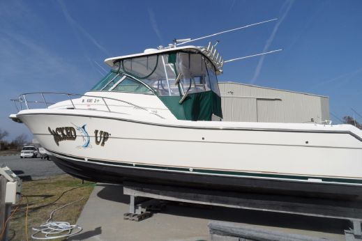 2002 Pursuit 3070 Offshore Center Console