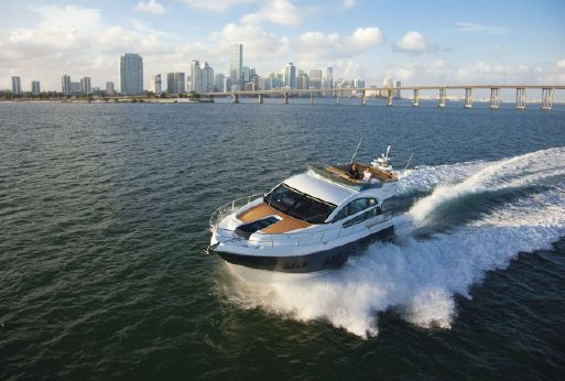 2015 Fairline Squadron 50 fly bridge