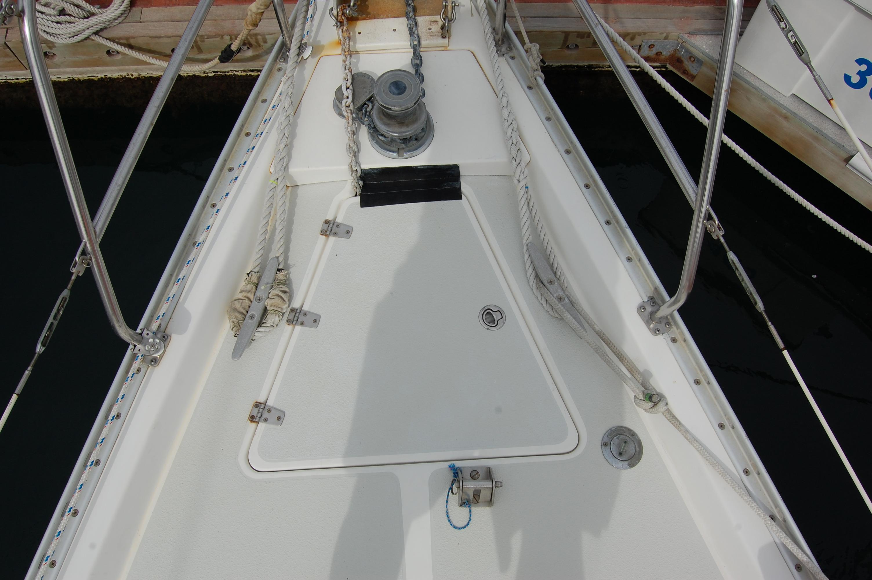 45' Catalina Morgan Center Cockpit+Photo 11