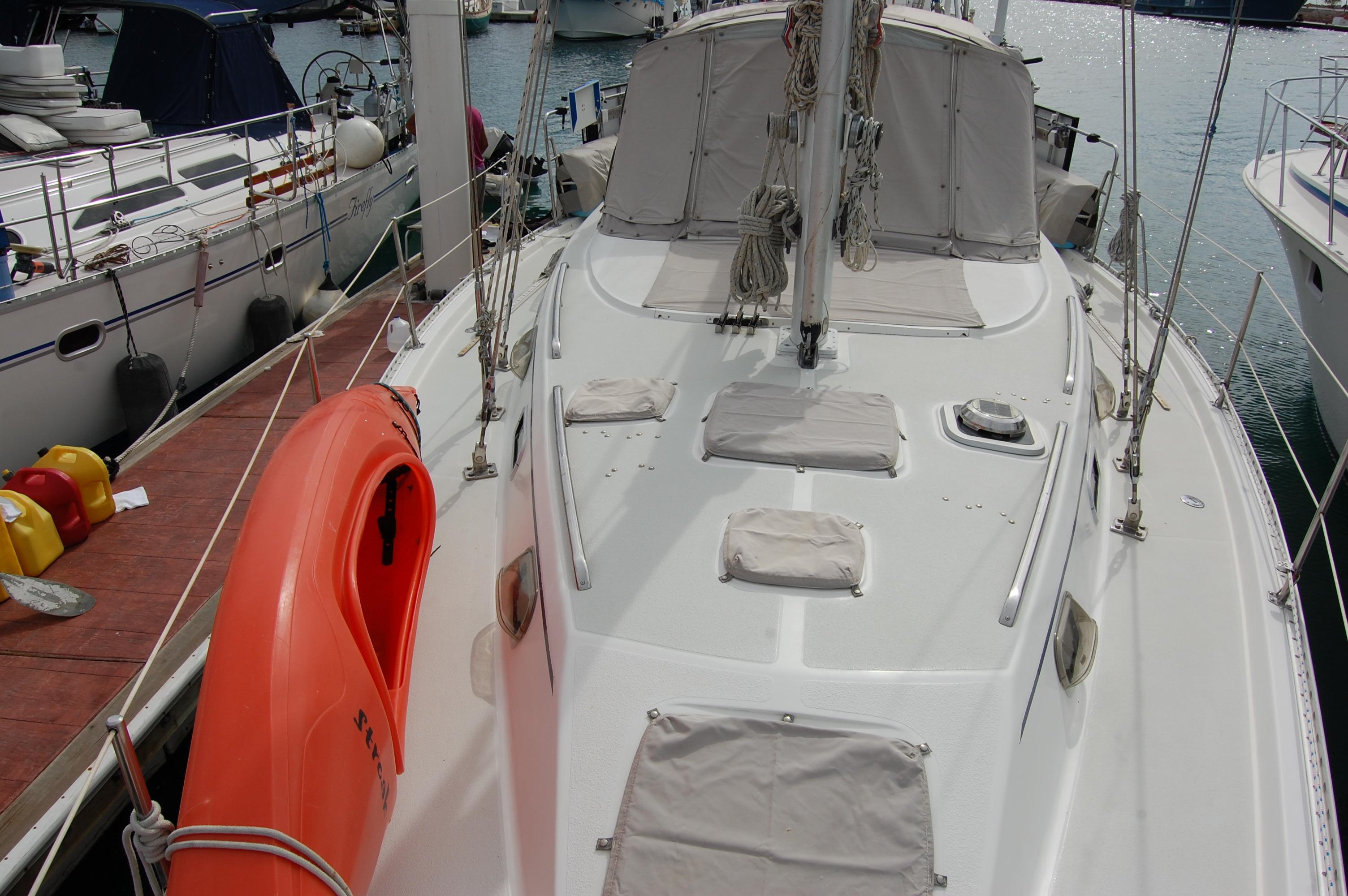 45' Catalina Morgan Center Cockpit+Photo 13