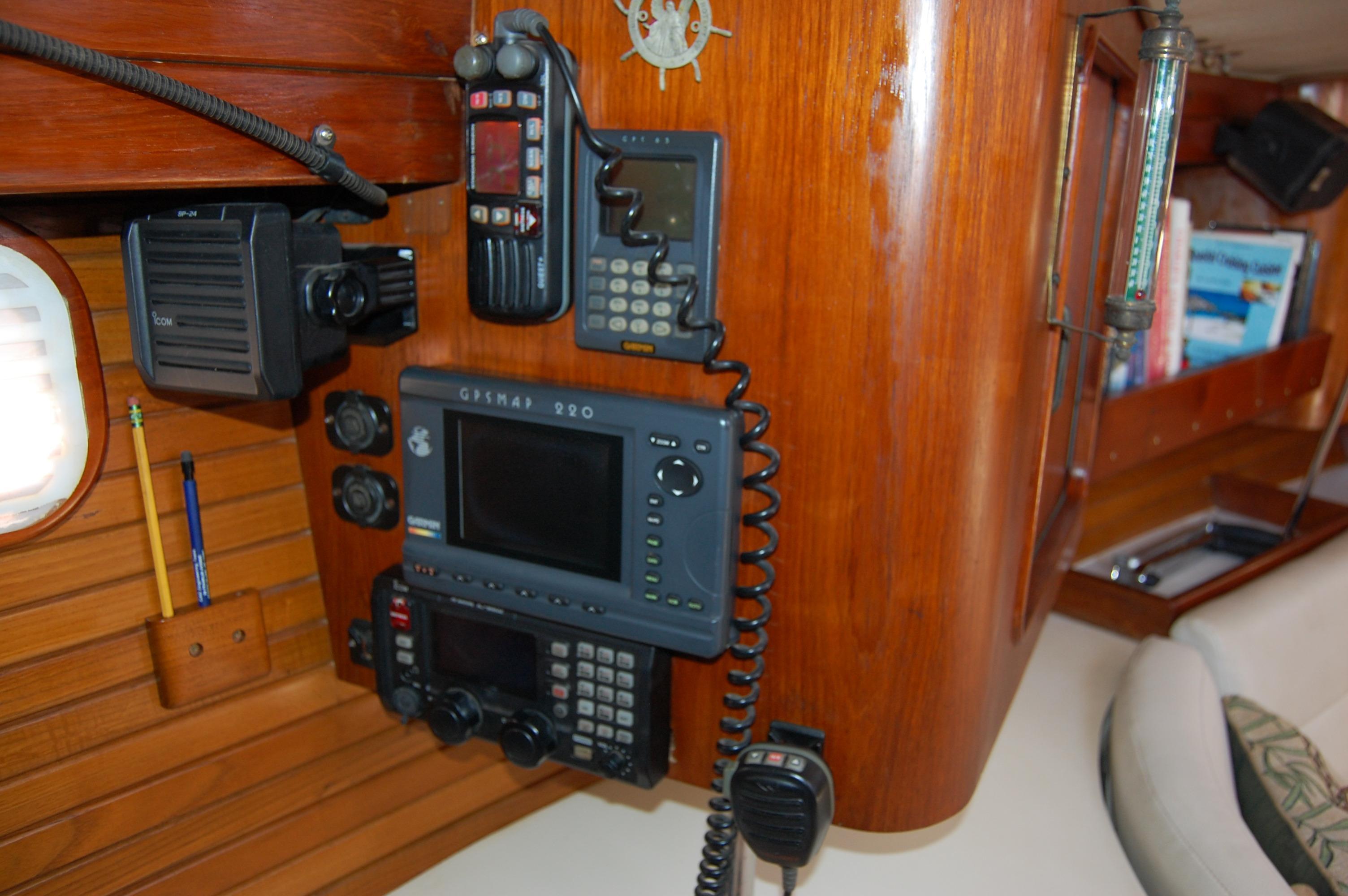 45' Catalina Morgan Center Cockpit+Photo 31