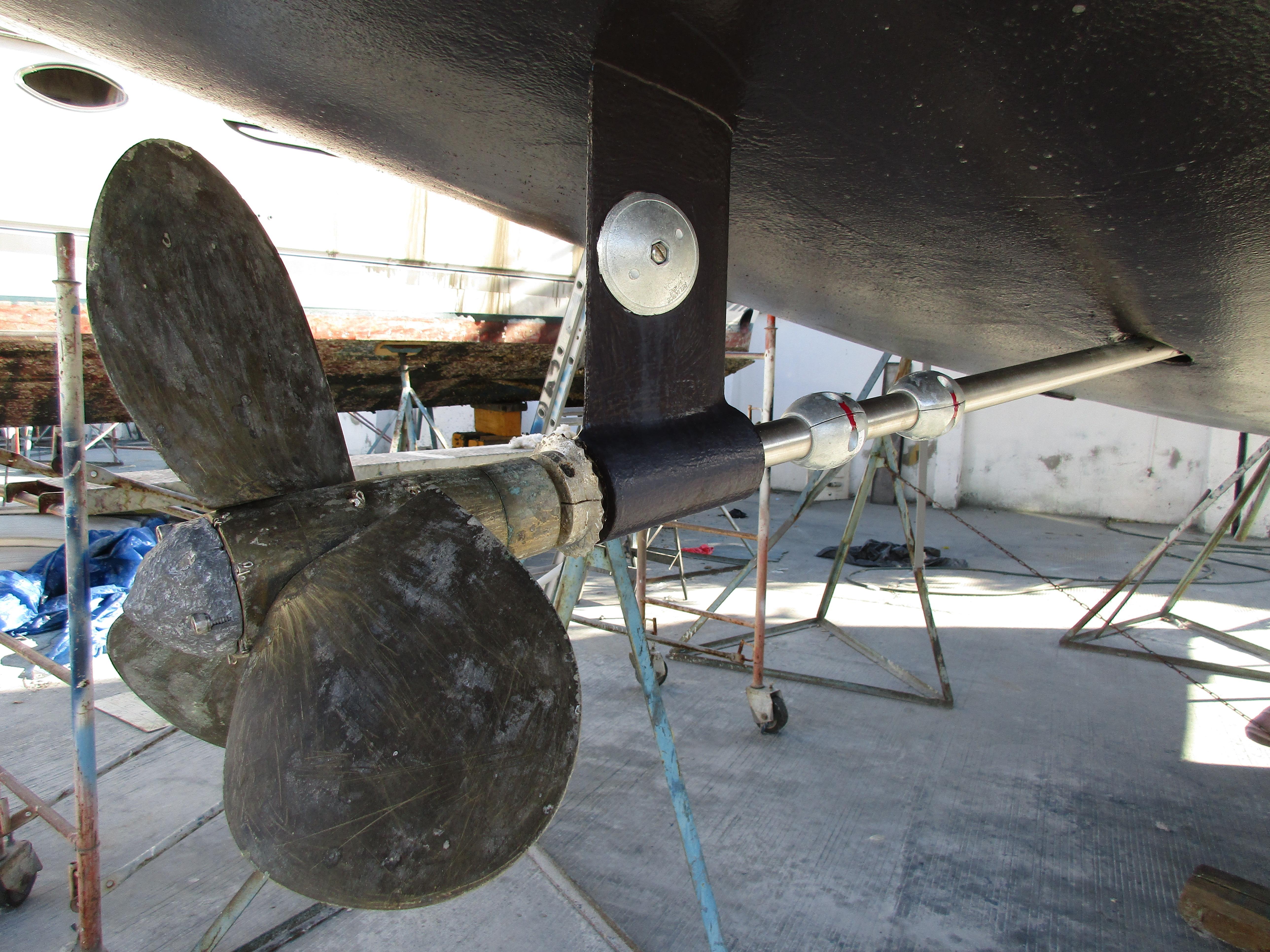45' Catalina Morgan Center Cockpit+Photo 9