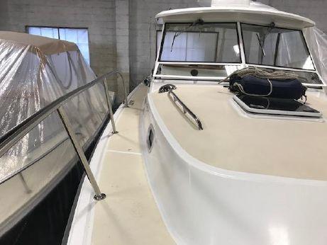 2001 Hunt Yachts 33