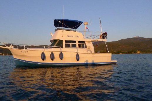1998 Mainship 390 Trawler