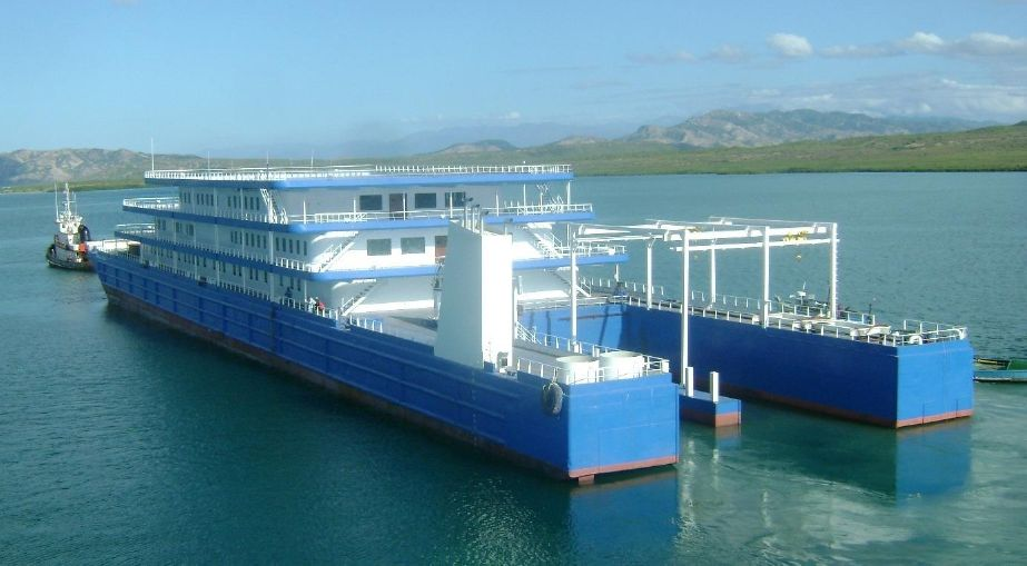 2009 Floating Boutique Hotel Barge Power Boat For Sale - www