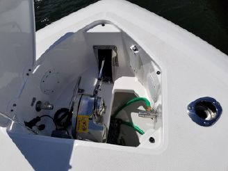 thumbnail photo 0: 2017 Everglades 435 Center Console