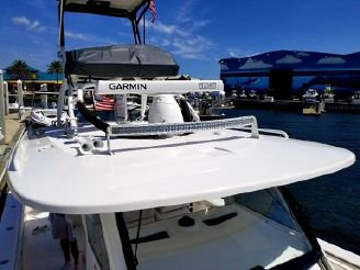 thumbnail photo 1: 2017 Everglades 435 Center Console