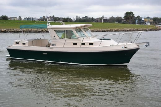 2004 Albin 30 Family Cruiser