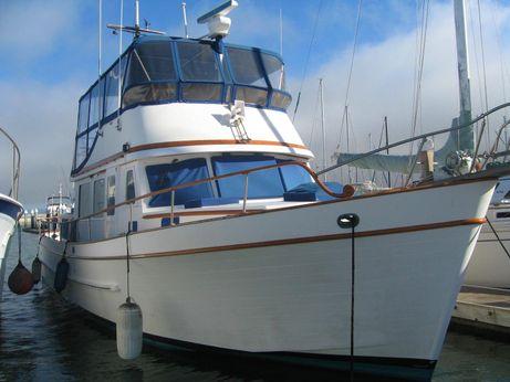 1981 Marine Trader Tri Cabin