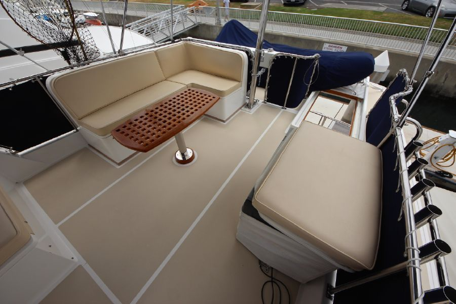 Grand Banks 42 Europa Flybridge