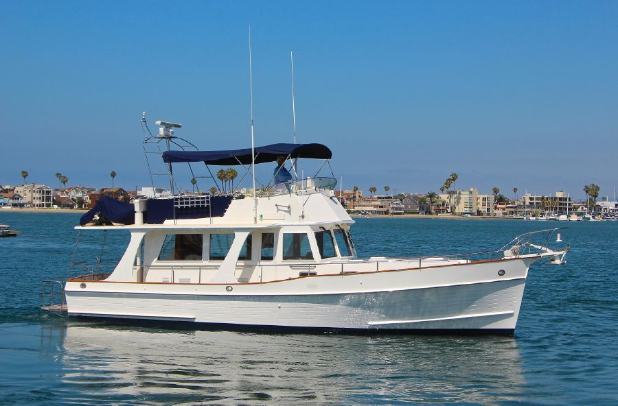 Grand Banks 42 Europa Yacht for sale in Long Beach