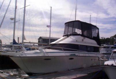 1990 Luhrs 3400 Motor Yacht