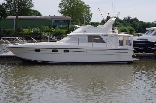 1985 Marine Project Princess 35 Fly