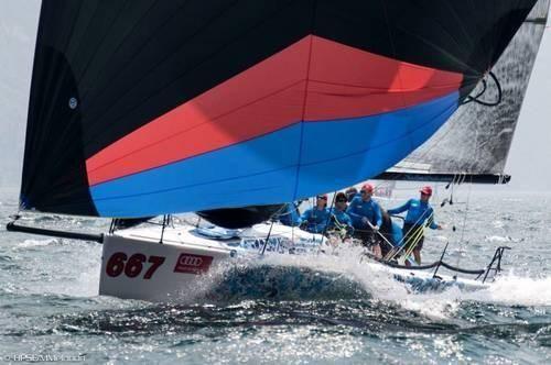 2007 Melges-Performance-Sailboats Melges 32