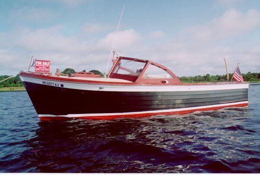 "1966 Mackenzie ""Cuttyhunk"" Bass Boat"