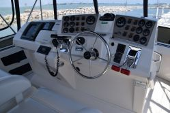 photo of  40' CARVER YACHTS 404 Cockpit Motor Yacht