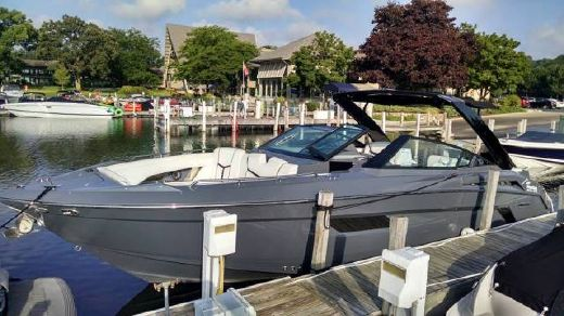 2017 Cruisers Yachts 338 South Beach Edition - Bow Rider