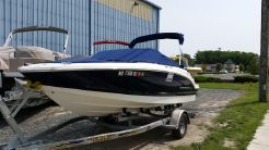 2009 Chaparral 19' Bow Rider