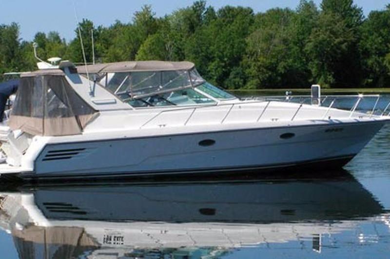 1996 Carver 390 Trojan Express Cruiser Power Boat For Sale