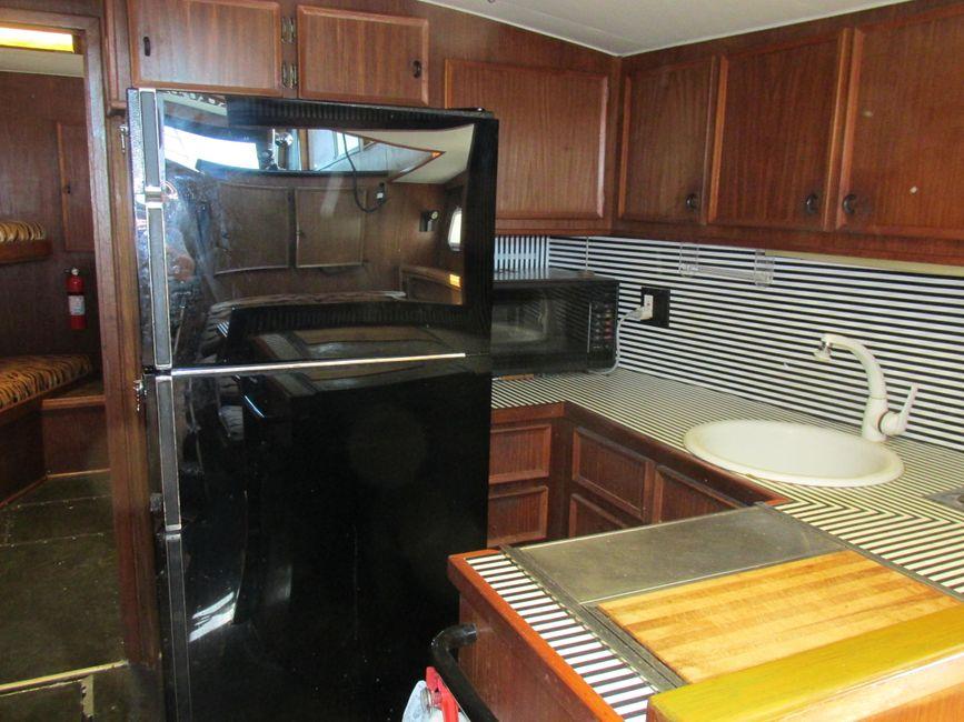 1979 Hatteras 53 Convertible Sportfisher Galley Refrigerator
